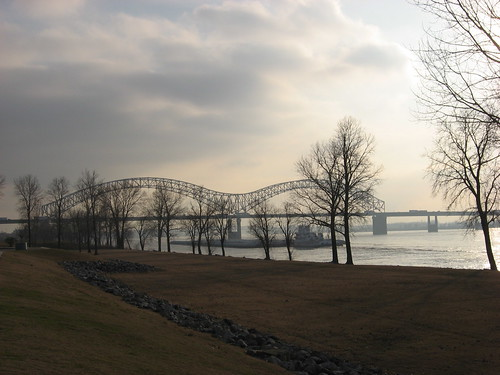 Mississippi River Memphis by joespake