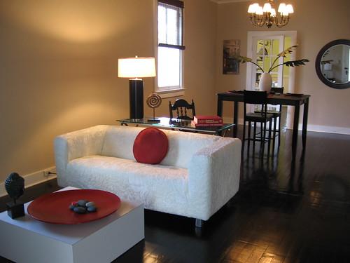 Cambiare aspetto ai mobili con delle gambe nuove detto - Cambiare colore ai mobili ...
