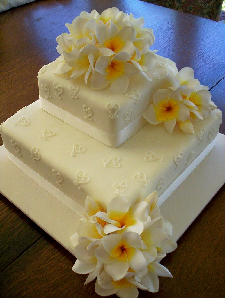 Fake Wedding Flowers Frangipanis : Silk flower frangipani wedding cake a photo on flickriver