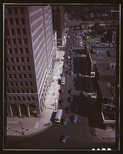 Traffic at 5:30 on Second Avenue, Detroit, Mich.  (LOC)