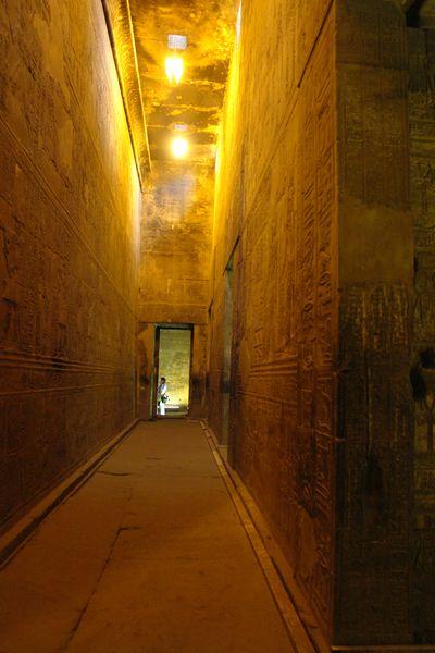 Edfu, Templo de Horus Templos a la orilla del río Nilo en Egipto - 2473736653 a753e5309a o - Templos a la orilla del río Nilo en Egipto