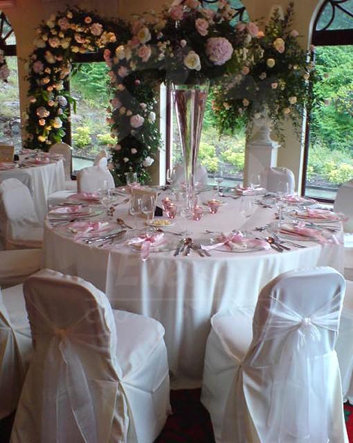 88 events designs a wedding at gleddoch house white for Design hotel wedding