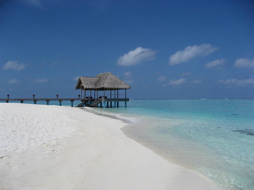 Madoogali, Maldives