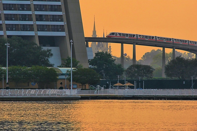 Disney Monorail Coral Contemporary Resort Flickr
