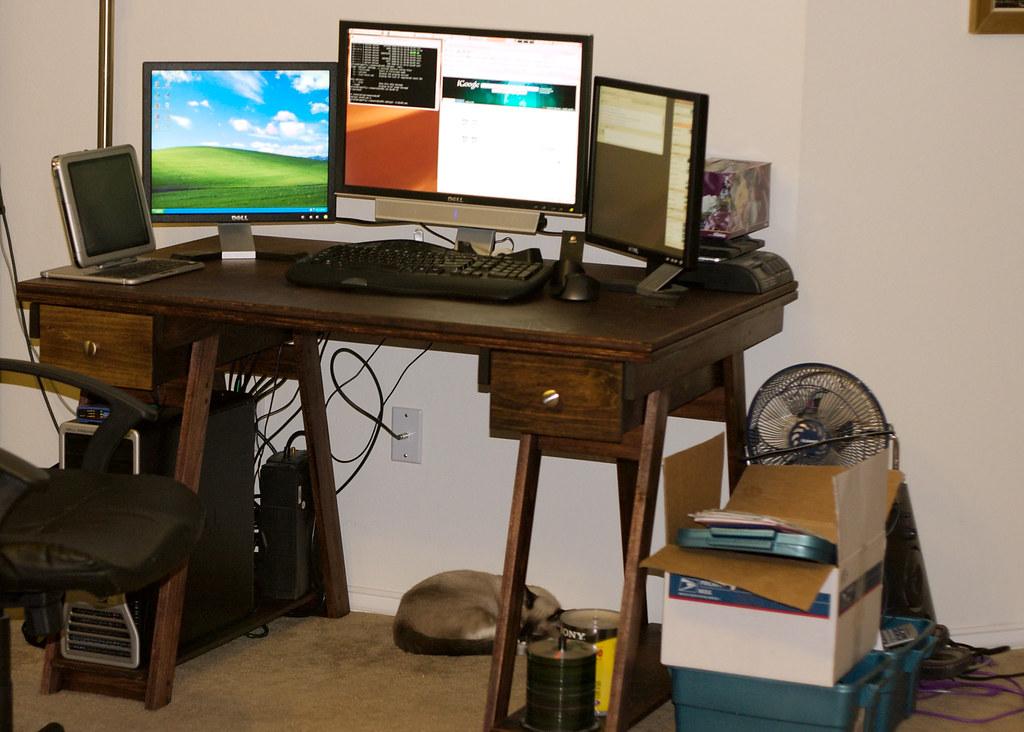 Desk-CRW 8337