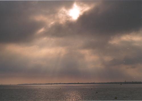 La mer et les rayons du soleil II