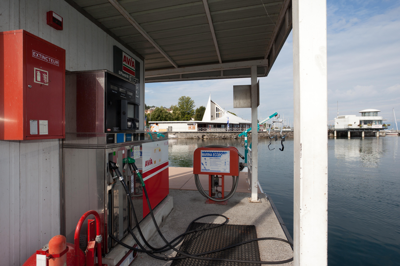 Port de plaisance - Station carburant