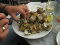 oyster(0.0), escargot(0.0), meal(1.0), animal(1.0), clam(1.0), seafood(1.0), invertebrate(1.0), food(1.0), dish(1.0), cockle(1.0), clams, oysters, mussels and scallops(1.0), mussel(1.0),