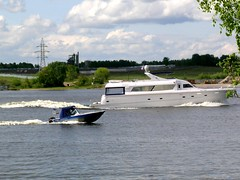 aviation(0.0), airplane(0.0), passenger ship(0.0), catamaran(0.0), luxury yacht(1.0), yacht(1.0), vehicle(1.0), ship(1.0), skiff(1.0), boating(1.0), motorboat(1.0), watercraft(1.0), boat(1.0),