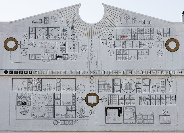 chris ware mural at 826 valencia crop flickr photo