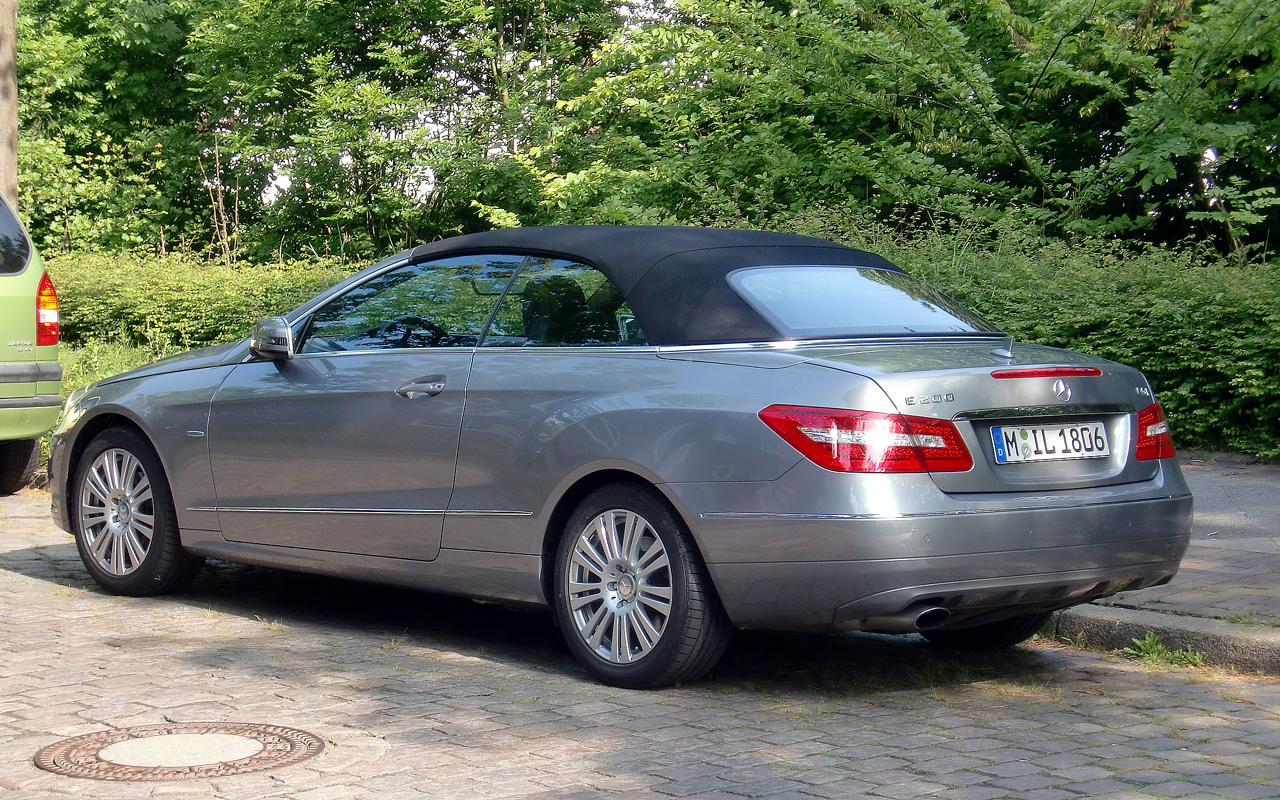 my personal car reviews mercedes e200 cgi cabrio. Black Bedroom Furniture Sets. Home Design Ideas