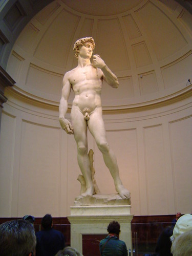 "Foto ""David - Michelangelo, 1504 Carrara Marble Florence, Galleria dell'Accademia"" by  yoramLapid - flickr"