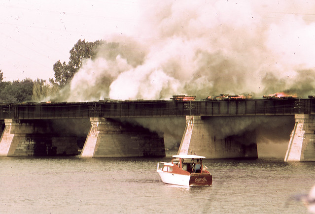 1978 Bridge fire 012 adj.jpg