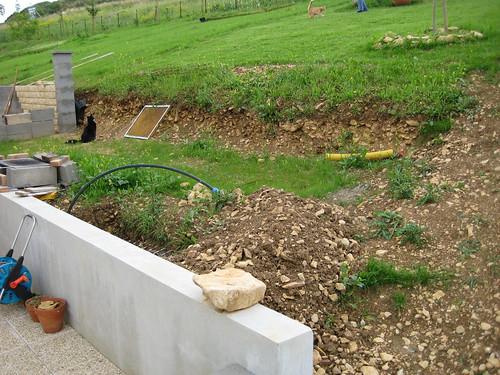soutenement 8m de long 1m de haut votre avis au jardin forum de jardinage. Black Bedroom Furniture Sets. Home Design Ideas