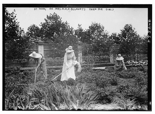 At work on Mrs. Belmont's Farm for girls  (LOC)