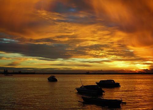 sunset indonesia landscape borneo kalimantan balikpapan blueribbonwinner supershot nikoncoolpixl3 eastkalimantan justclouds naturesgallery abigfave eastborneo anawesomeshot colorphotoaward flickrdiamond melawai skyascanvas makassarstrait bestofmywinners