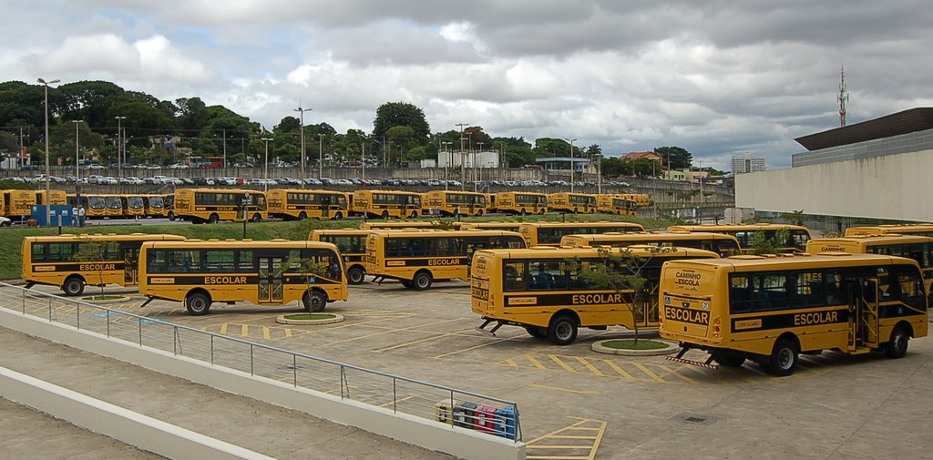 10 02 2017 - Entrega de Micro-ônibus escolar no Expominas