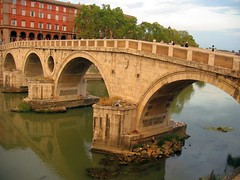 ancient history(0.0), transport(0.0), devil's bridge(1.0), arch(1.0), aqueduct(1.0), river(1.0), arch bridge(1.0), canal(1.0), viaduct(1.0), waterway(1.0), bridge(1.0),