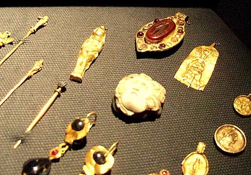 Roman jewellery