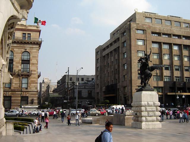 Calle 5 de mayo desde bellas artes flickr photo sharing for Sanborns bellas artes