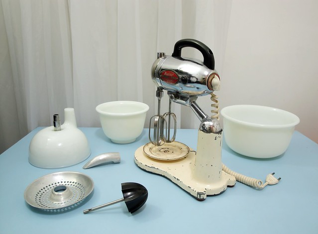 1950 Walita stand mixer