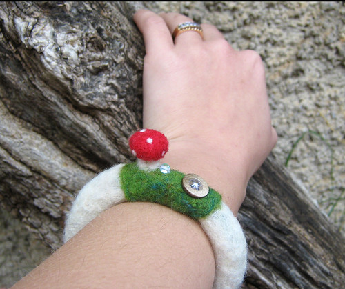 Needlefelted toastool mushroom bangle bracelet