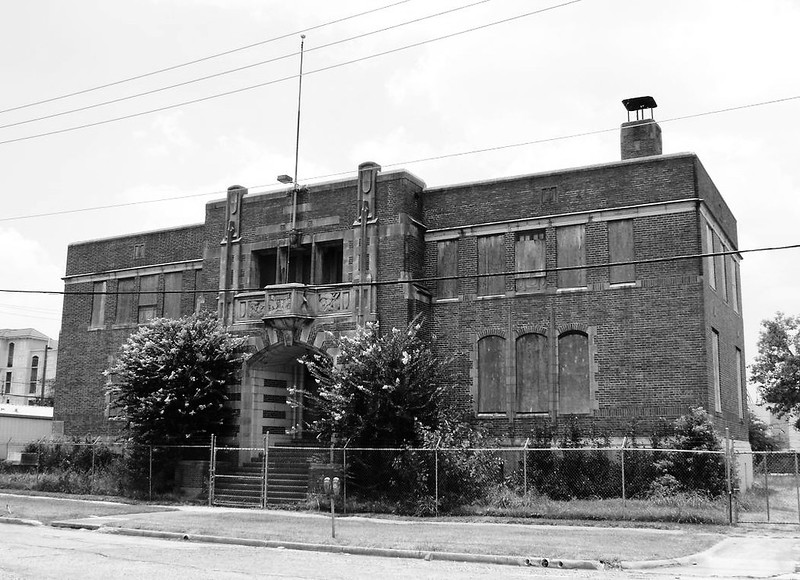 Houston Light Guard Armory, 3816 Caroline, Houston, Texas 0701091325BW