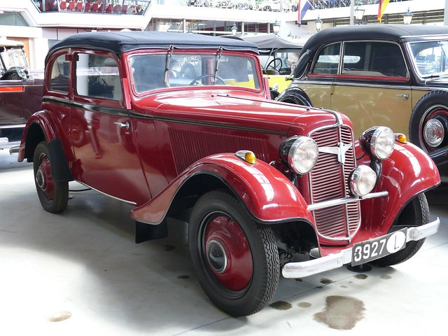 1938 Adler Trumpf Junior red vr