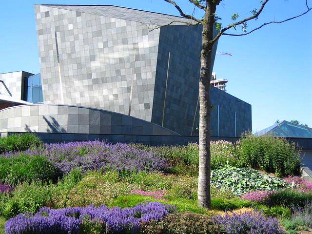 Van Abbe Museum in Eindhoven by Flicrk CC hans thijs