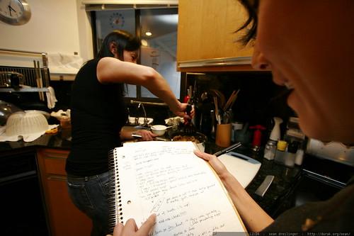 grandma neeta cooking while megan takes notes    MG 7801