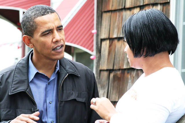 Barack Obama canvasses in Des Moines, Iowa