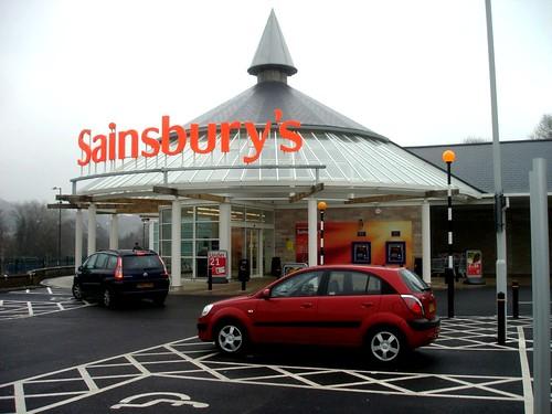 英國德比郡的一間Sainsbury超市。(來源:©BazzaDaRambler)