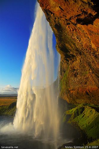 cliff water geotagged waterfall iceland kallio seljalandsfoss vesi steep vesiputous littlestories nikond200 islanti terrascania abigfave jyrkänne ìsland superbmasterpiece kalliojyrkänne kallionjyrkänne kallioseinämä kallionseinämä picswithsoul