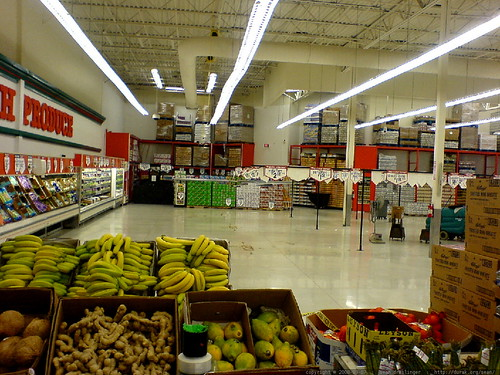windo is open 24 hours, but don't expect to find any produce aisles!   DSC00477
