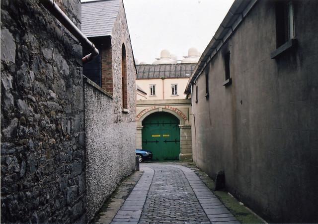 Green door. Kilkenny, Ireland. Sep 2004