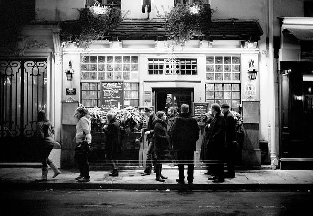 Le Miroir Restaurant Montmartre Of Le Bistro De Montmartre Flickr Photo Sharing
