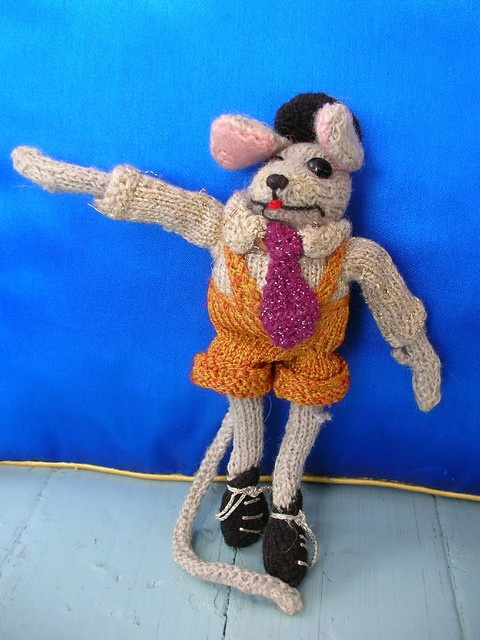 Machine Knitted Toy Cat Pattern