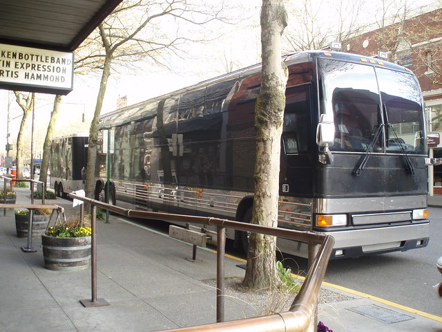 Tour Bus - exterior | Flickr - Photo Sharing!