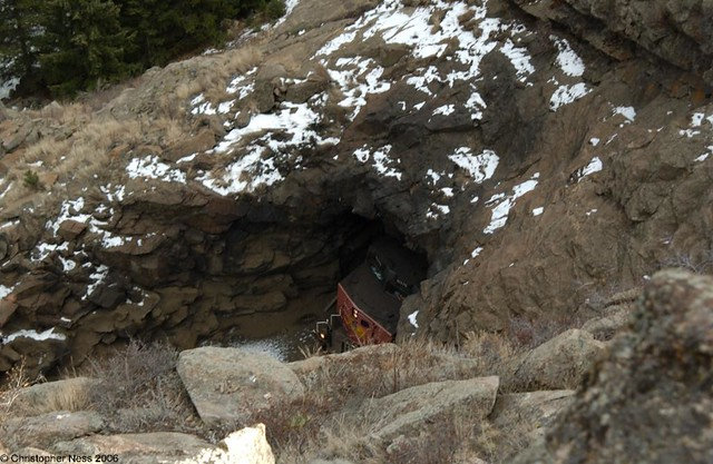 PineCliffe tunnel, Nikon D1X, AF Zoom-Nikkor 24-85mm f/2.8-4D IF