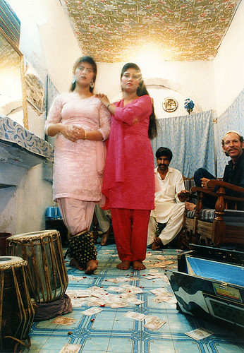 Hira Mandi --- OVER 5000 VIEWS AND COMMENTS FROM ONLY 5 PEOPLE!