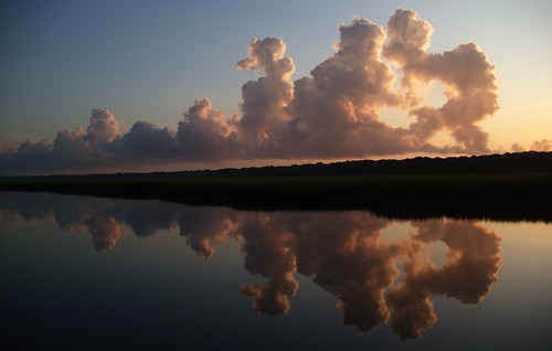 reflection clouds fernandinabeach
