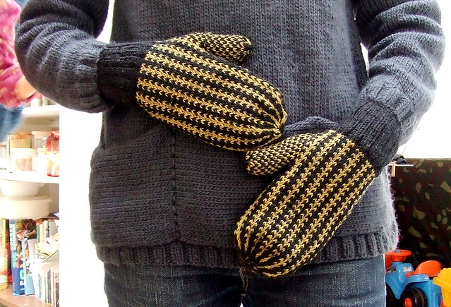 manly mittens for me !, Fujifilm FinePix Z2