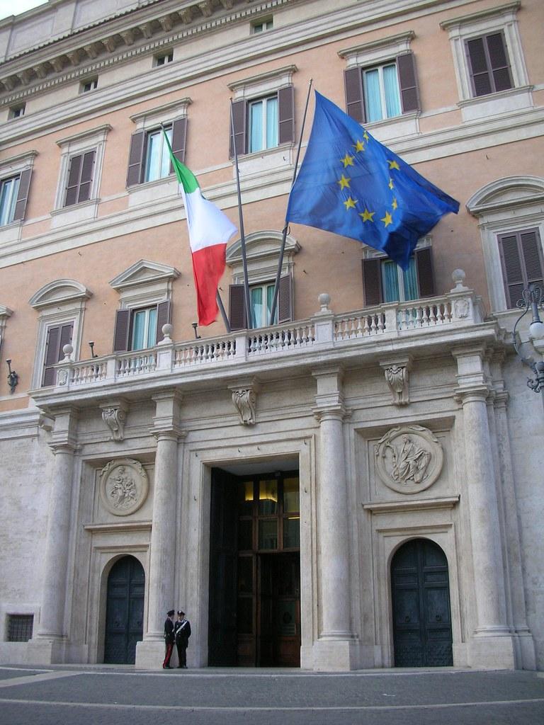 Spazionurse europa chiama italia for Dove si riunisce il parlamento italiano