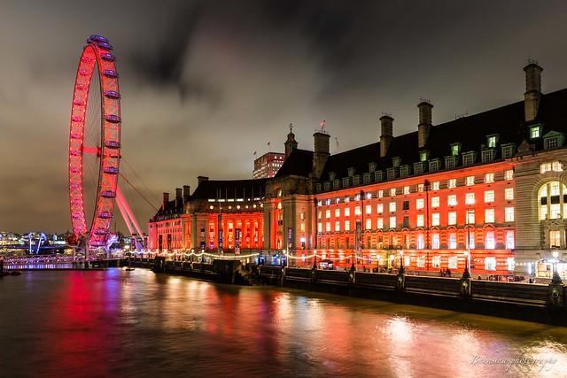 London eye in red.