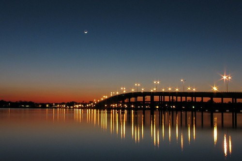 longexposure bridge light night lowlight darkness florida ormondbeach halifaxriver granadastbridge