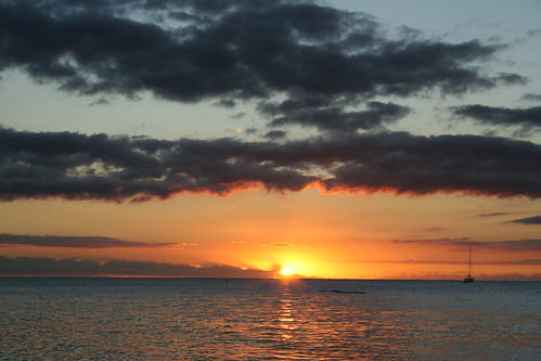 Sunset and lagoon from the beach in Mauritius - picture via: http://www.flickr.com/photos/selene_w/