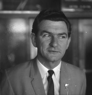 Bob Hawke elected President of the ACTU, Paddington Town Hall, Sydney, 10 September 1969 / Uwe Kuessner, Australian Photographic Agency