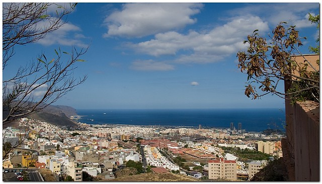 Santa Cruz, Tenerife by Flickr user maduroman