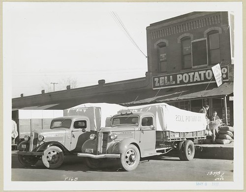 [Model T 16 B used for shipping potatoes for Zell Potato Co....