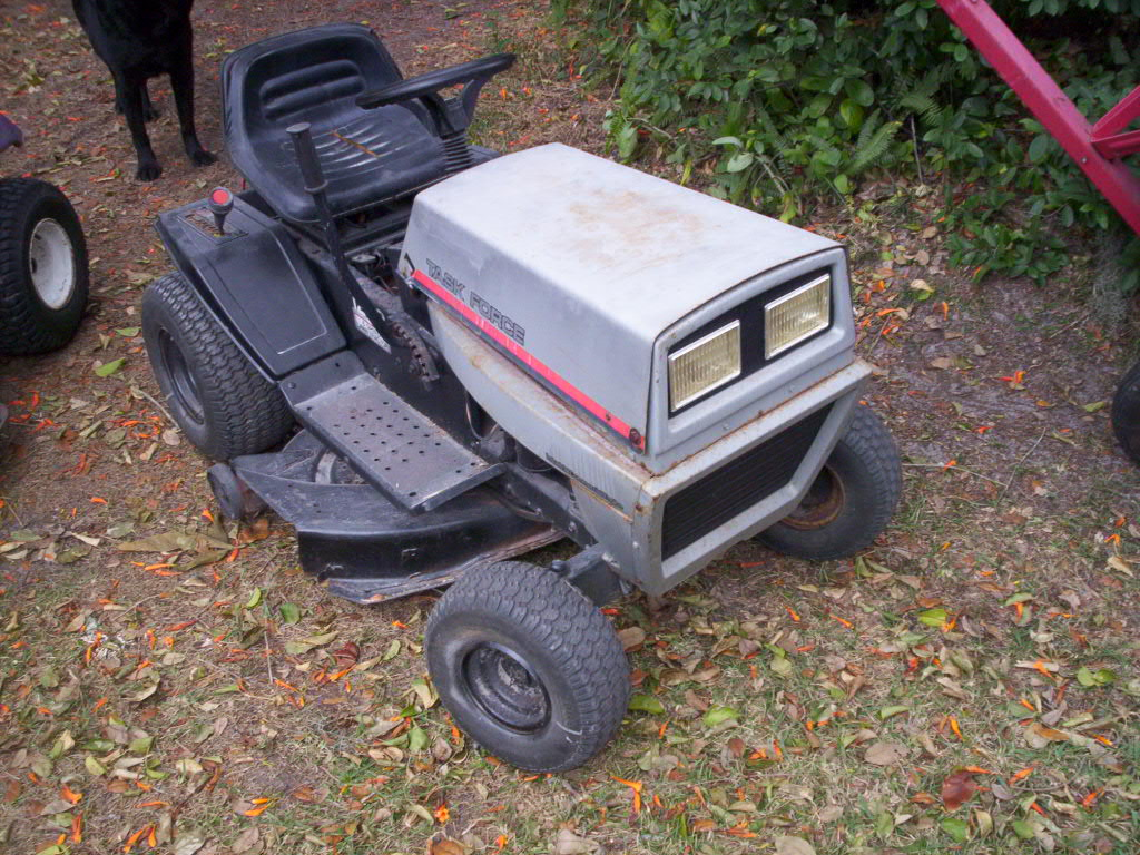 Vintage Mtd Lawn Tractors : Hechinger badged mtd lawn tractor mytractorforum